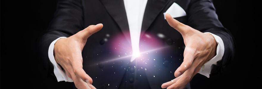 Un magicien Close Up